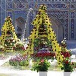 گلآرایی ویژه حرم امام رضا علیه السلام در آستانه ولادت امیرالمومنین با ۲۰۰ هزار شاخه گل